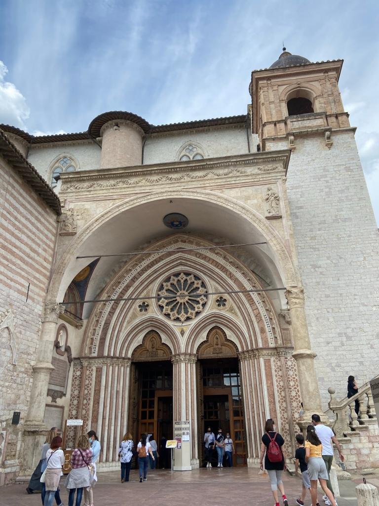 Basilica di San Francesco d'Assisi ingresso
