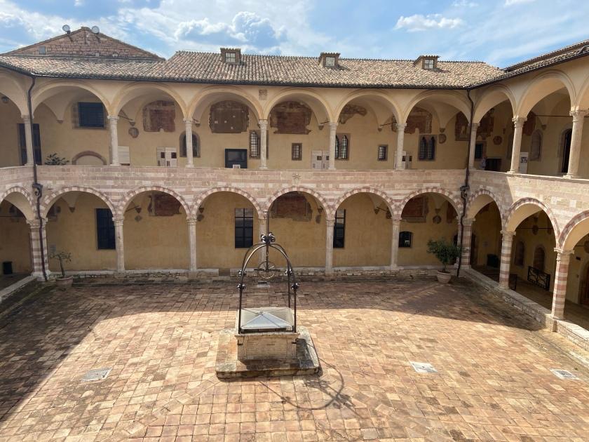 Portico della Basilica di San Francesco d'Assisi